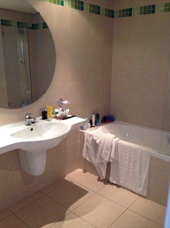 Hotel Marhaba : New bathroom! Big!
