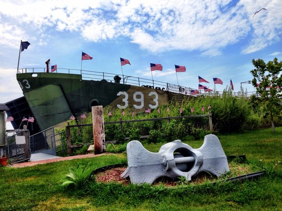 USS LST 393 : Perfect end to our Memorial Day Weekend