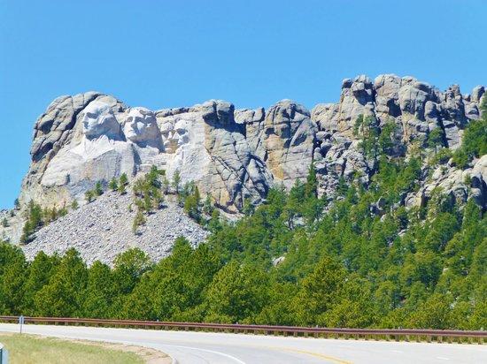 Mount Rushmore National Memorial : 1