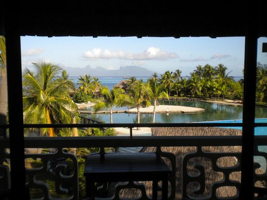 InterContinental Tahiti Resort & Spa: Rooms are better thatn over-water cottages.