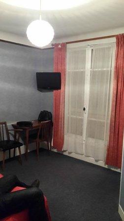 Hotel Luxia : номер