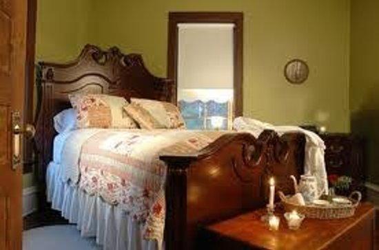 Arcadia Valley : A bedroom at Arcadia Academy