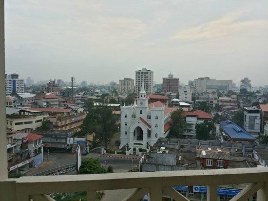The Gateway Hotel Marine Drive Ernakulam : Cochin Cityview at 7:30 AM