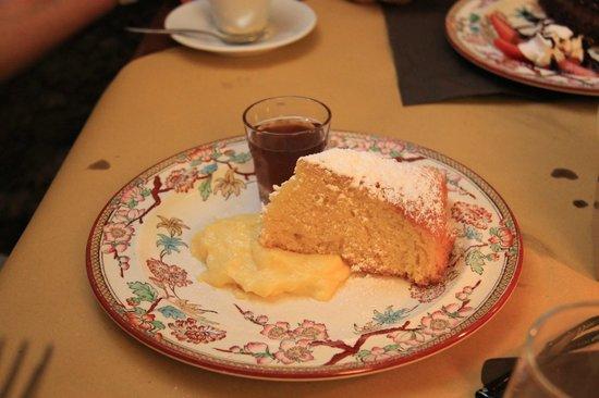 Alma Civita : Торт самбука