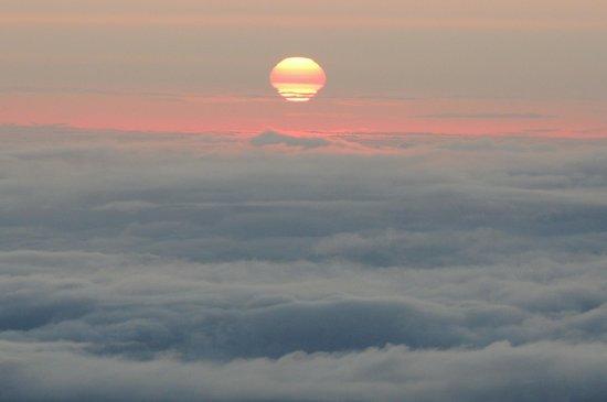 Mauna Kea Summit Adventures: Sunset at summit of Mauna Kea