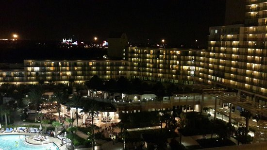 Orlando World Center Marriott: Vista da noturna da janela.