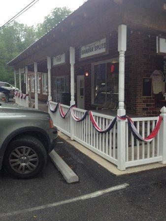 Needmore, Pensilvania: Gordon's Cruise-In