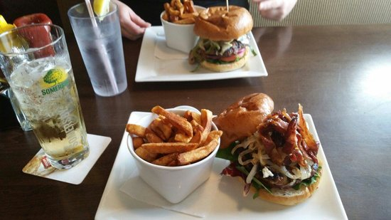 Simcoe Arms : Lamb burger in front and an amazing angus burger in the back
