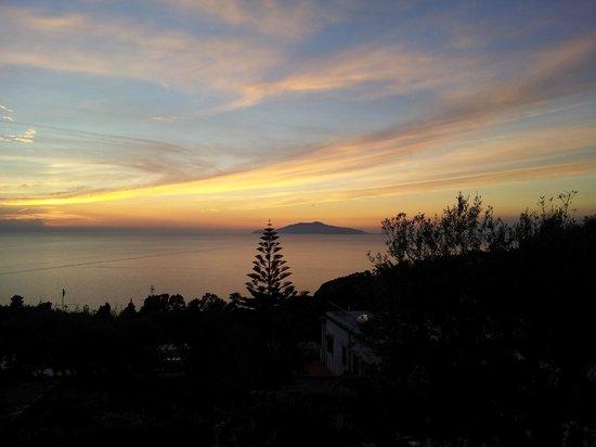 Hotel Il Girasole: Lo splendido tramonto dalla terrazza dell'Hotel