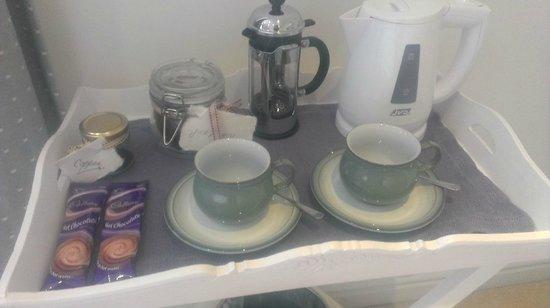 Canowindra B&B: In room tea, coffee, and fresh homemade treats!