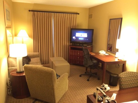 Homewood Suites by Hilton Plano-Richardson: Living room