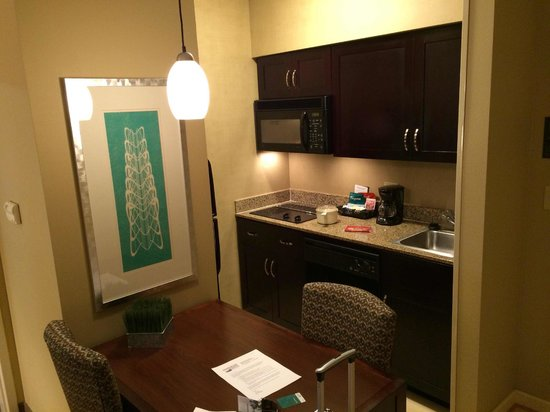 Homewood Suites by Hilton Plano-Richardson : Clean kitchen