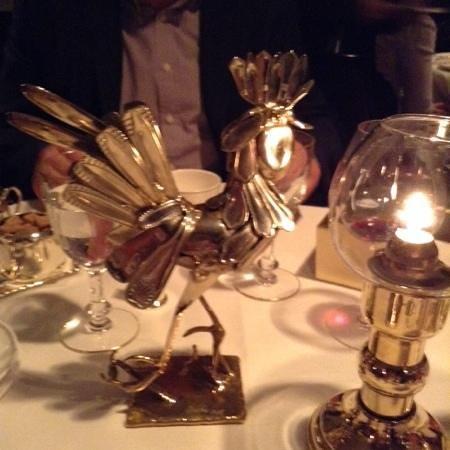Le Gavroche: table ornament