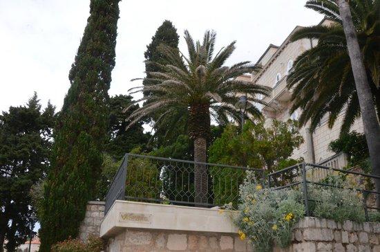 Grand Villa Argentina: Jardins bem cuidados