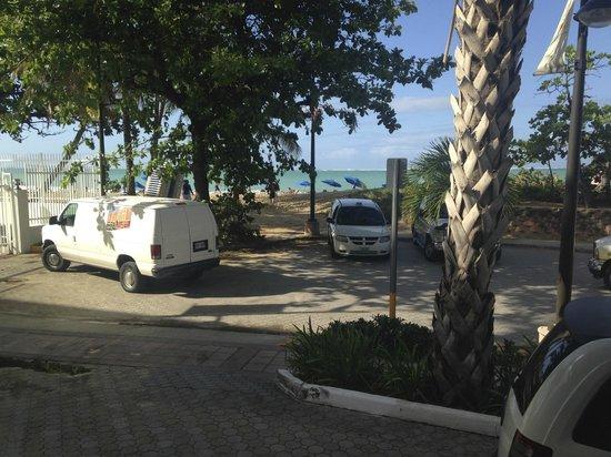 "San Juan Water & Beach Club Hotel: The ""street"" you cross to the beach"