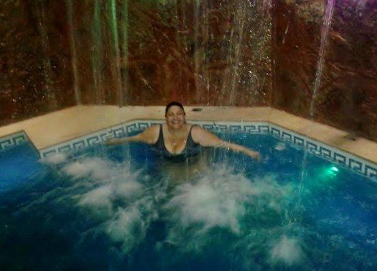 Hotel Jardin de Iguazu : Piscina Climatizada nocturna