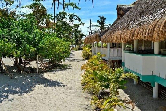AABANA Beach & Watersport Resort Malapascua: View from Casa Bonita towards the beachfront