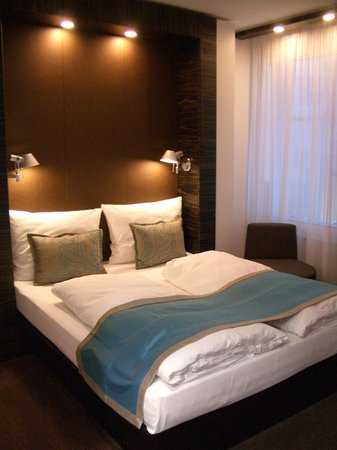 Motel One Edinburgh-Royal: Modern, restful room