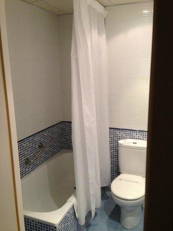 Atenea Calabria Apartaments: Banheiro