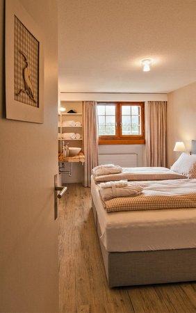 zimmer beige - picture of ustria parlatsch, trin - tripadvisor, Moderne deko