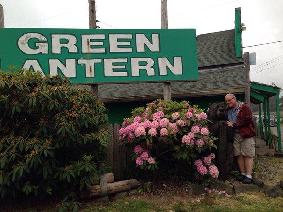 Green Lantern Tavern: Easy to find!