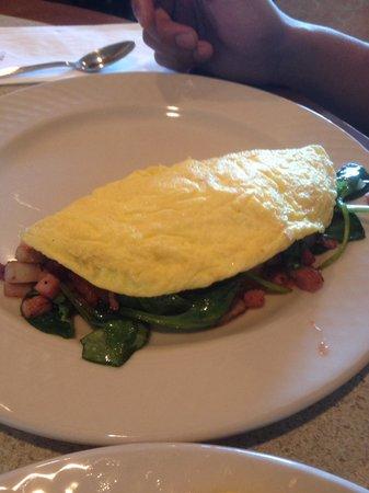 Hilton Garden Inn Pismo Beach: Made to order omelet