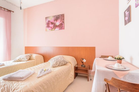 B b soggiorno di ostia 62 6 7 prices inn reviews for Di tommaso arredamenti ostia