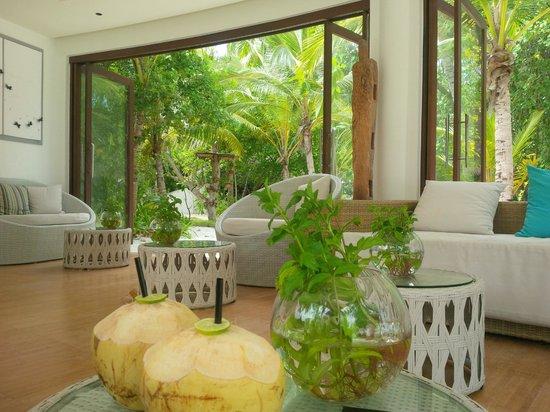 Jumeirah Vittaveli: spa waiting area