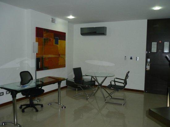 Hotel Chicamocha : Zona de Negocios Habitación