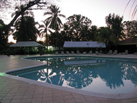 Best Western Las Mercedes: Poolanlage