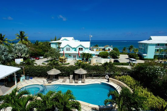 Compass Point Dive Resort: View from Poolside Condos