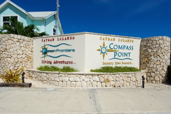 Compass Point Dive Resort: Property Entrance Signs