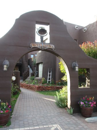 Adobe Grand Villas : The entrance to the property!