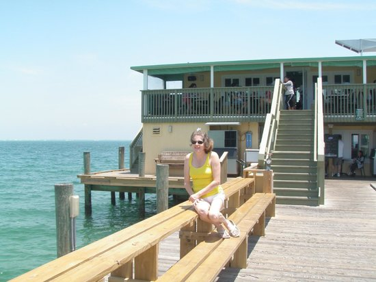 Rod & Reel Pier: AMI fun in the sun!