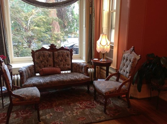 Akwaaba DC: front parlor with view to front yard