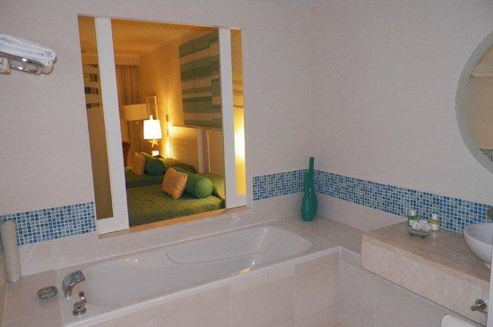 Hotel Meliá Marina Varadero: Gorgeous bathroom
