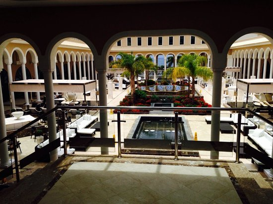 Gran Melia Palacio de Isora Resort & Spa: Main atrium