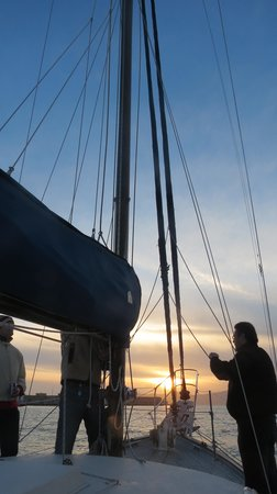 San Francisco Sailing Company: Sunset