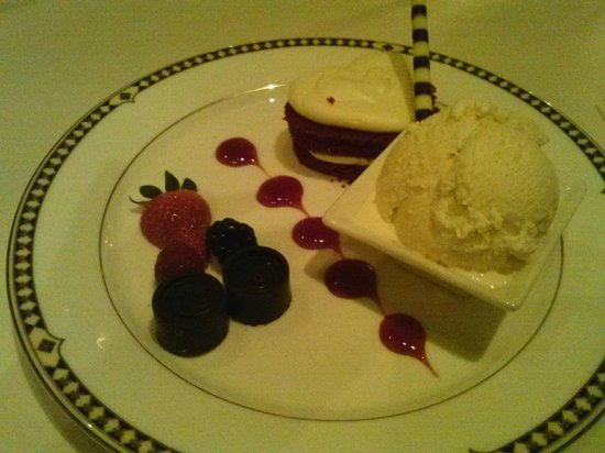 Duane's Prime Steaks and Seafood: One of our desserts.