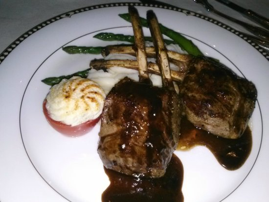 Duane's Prime Steaks and Seafood: Rack of lamb with tomato tartar and asparagus spears.