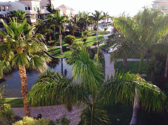 Gran Melia Palacio de Isora Resort & Spa: View from our room to the sea