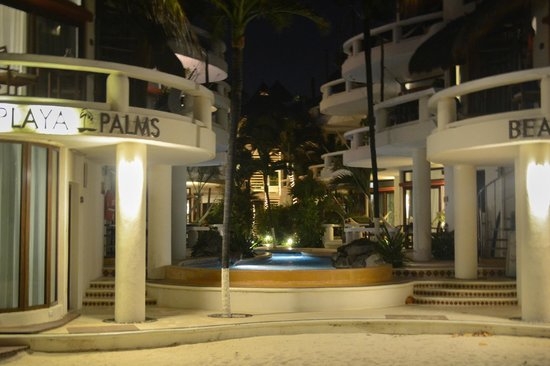 Playa Palms Beach Hotel: View from the beach