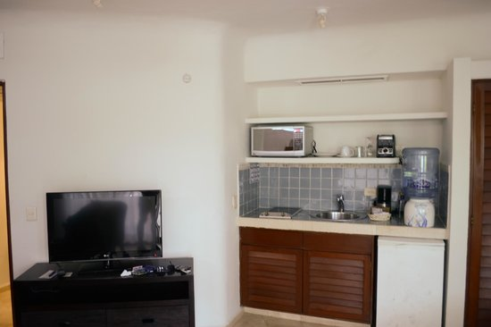 Playa Palms Beach Hotel: Kitchenette