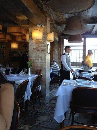 Restaurante Don Camillo: salão principal