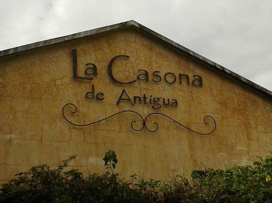 La Casona de Antigua: Vista desde afuera
