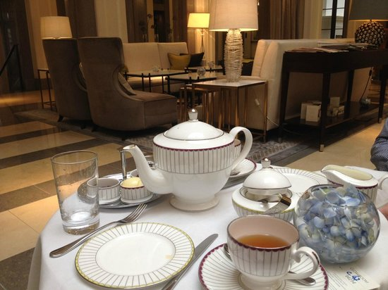 The Crystal Moon Lounge: Tea
