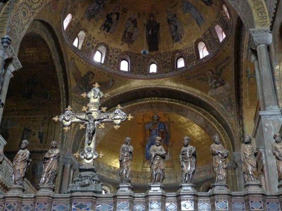 Basilique Saint-Marc : Altar mayor de la Basílica de San Marcos, Venecia