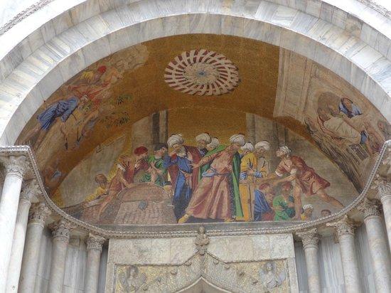 Basilique Saint-Marc : Detalle de la fachada de la Basílica de San Marcos, Venecia