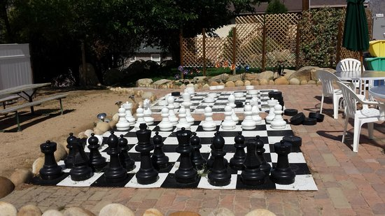 The Kern Lodge: Even giant sized Chess!