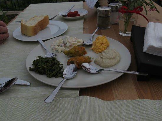 Natureland Efes Pension: Mezzes at dinner